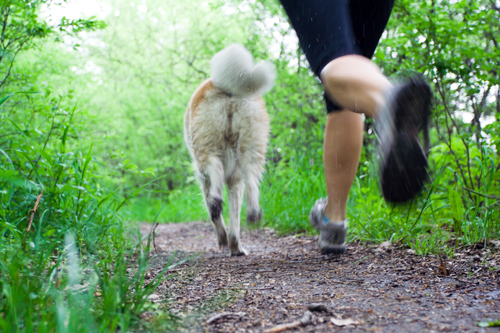 woman_jogging-with-dog