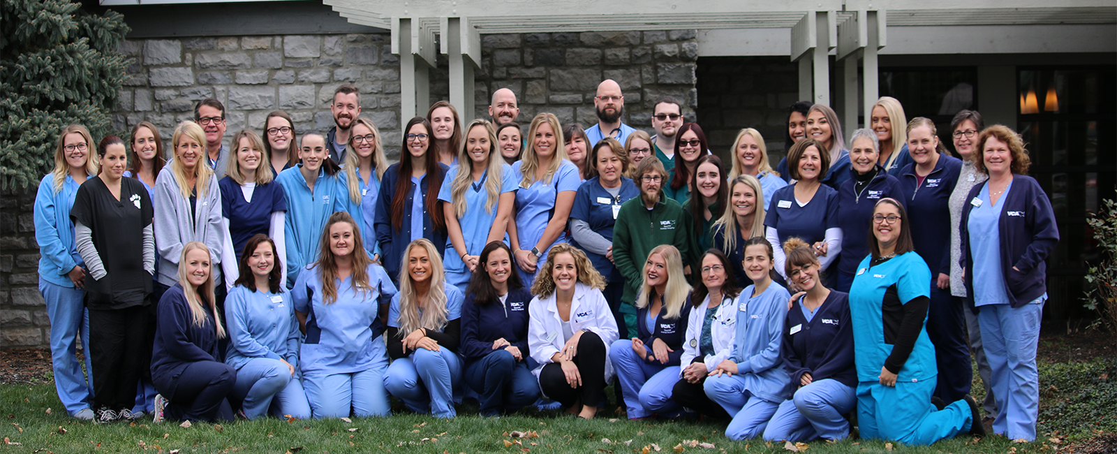 Team Picture of VCA Sawmill Animal Hospital 2019