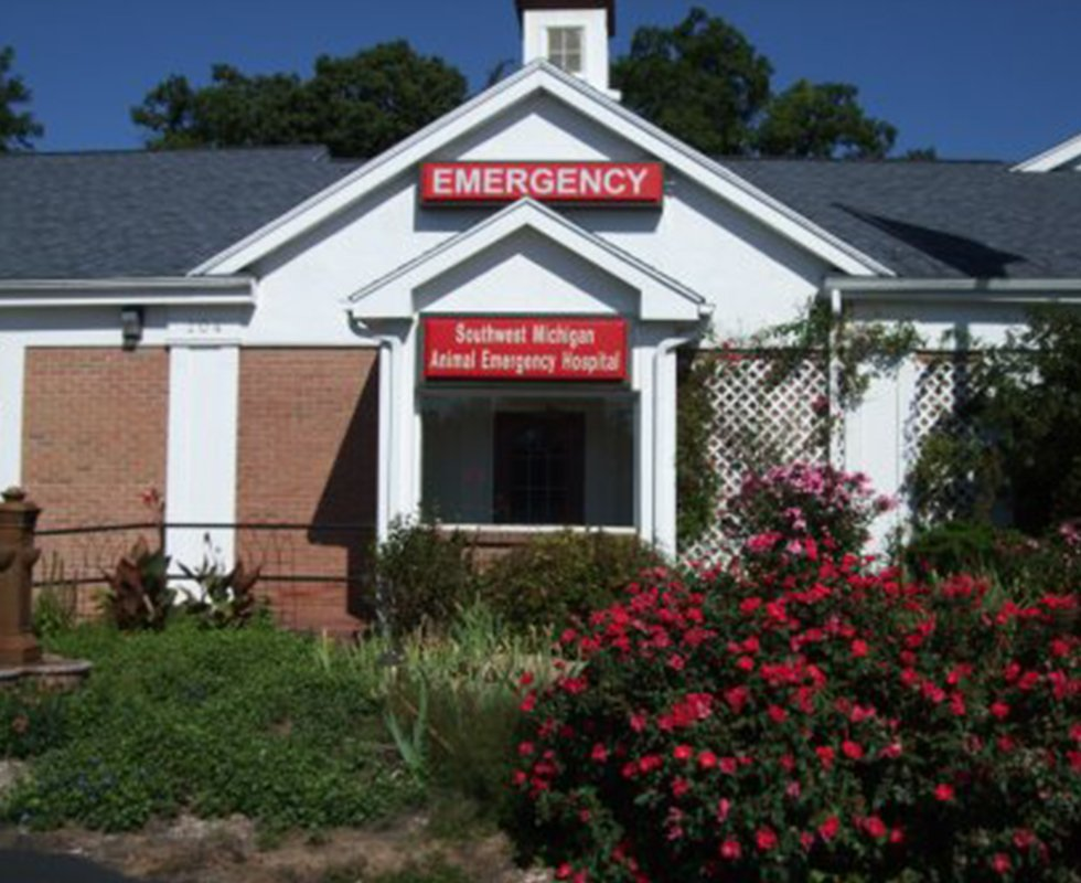 VCA Southwest Michigan Animal Emergency and Referral Center in Kalamazoo, Michigan - hospital building photo